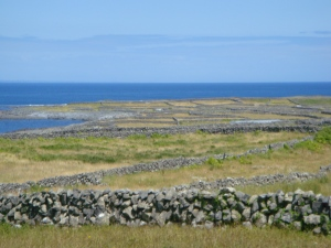 STONE WALLS, INIS MOR